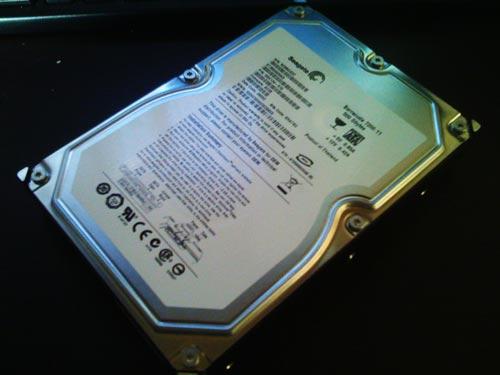 Seagate ST3500820AS 500GBハードディスクからデータ取り出し