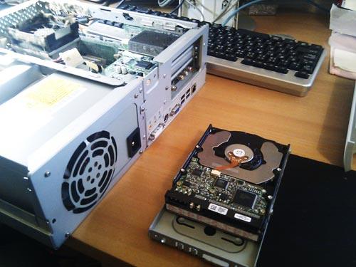 壊れたパソコンからハードディスク内のデータ取り出し