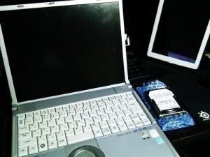 Panasonic CF-Y7ハードディスク交換とクローン作業