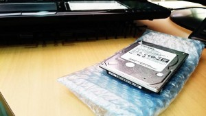 TOSHIBA HDD 1TB。古いHDDからデータ移行。
