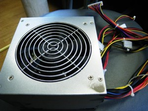 自作パソコン、電源ボックス交換。