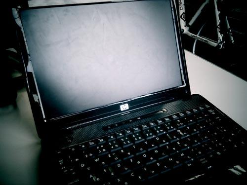 壊れて起動出来なくなったノートパソコンからデータ取り出し HP2230s