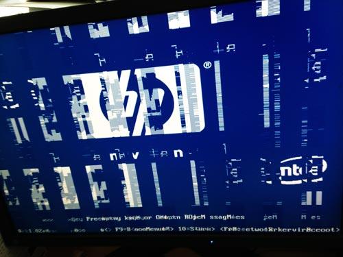 PCの画面が乱れて、Windowsが起動できない。