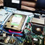 富士通 ESPRIMO 一体型デスクトップ分解。ハードディスク交換