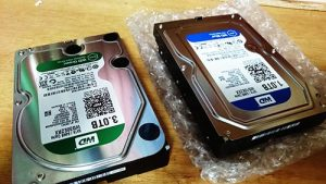 NEC LaVie DA770 分解。ハードディスク交換。