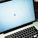 MacBook Pro りんごマークから進まない