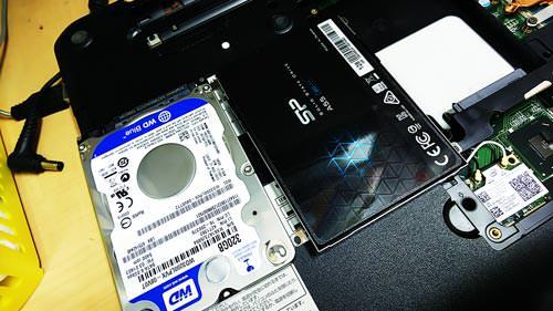 ハードディスクからSSDへ換装。