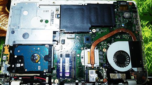 TOSHIBA dynabook T654/68KW バッテリー交換